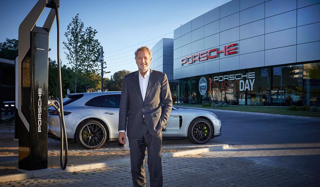 El Porsche Taycan ya se podría cargar en España usando los nuevos Turbocargadores a 350 kW: 100 km en 4 minutos