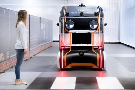 Jaguar encontró la forma ideal para que sus coches autónomos tengan la confianza de los peatones: les puso ojos