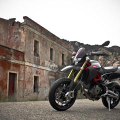 Foto 5 de 30 de la galería aprilia-dorsoduro-factory-2010 en Motorpasion Moto
