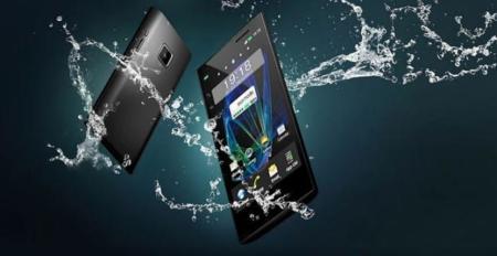 Panasonic Eluga y Eluga Power, bajo el agua en vídeo