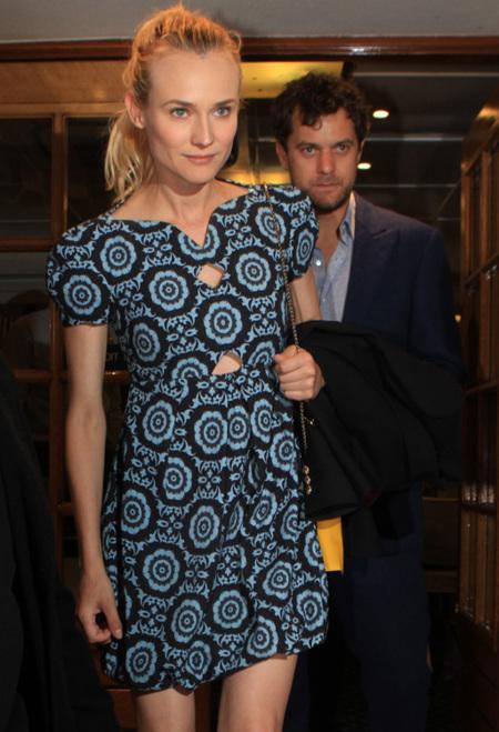 Diane Kruger viste en corto y de estampado