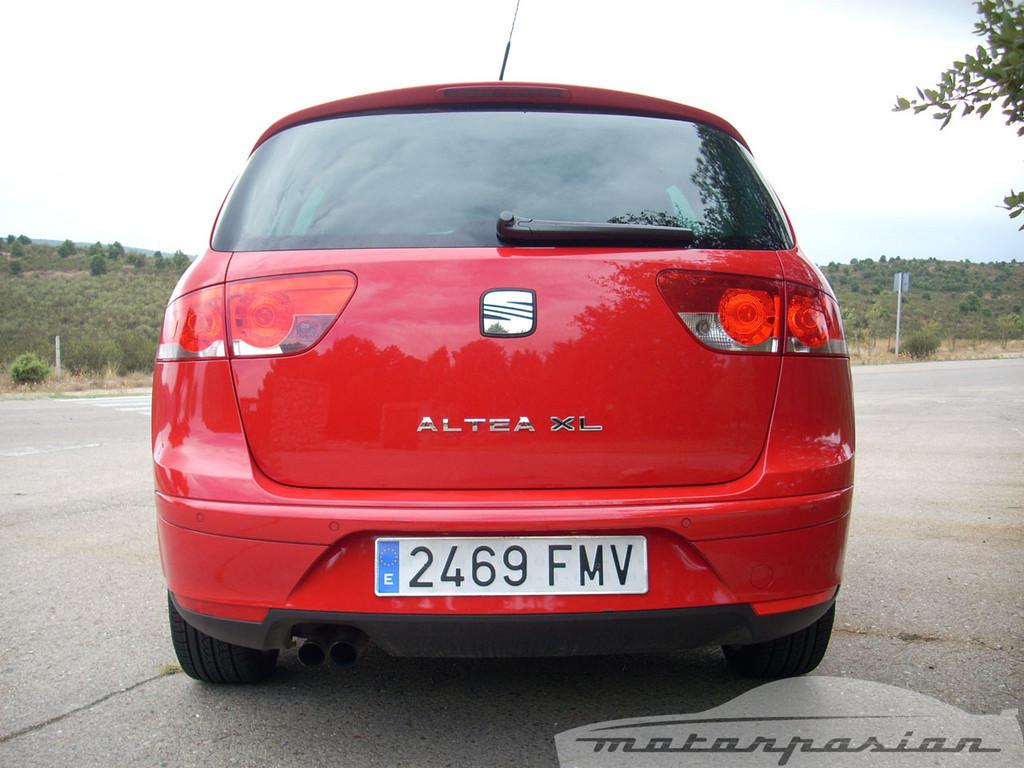 Foto de SEAT Altea XL contra Volkswagen Touran  (13/36)
