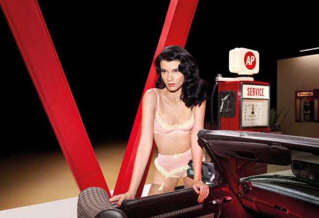 Agent Provocateur campaña Primavera-Verano 2013: On the Road con Crystal Renn