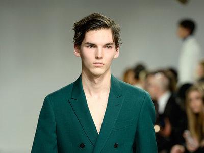 El nuevo minimalismo llegó: Raf Simons y su debut en Calvin Klein desde Nueva York