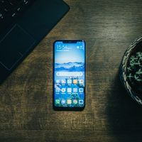 Mientras las ventas de iPhone caen un 19,9% en China, las de Huawei se disparan un 23,3%, según IDC