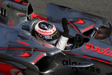 Fernando Alonso puede con todos en Monza