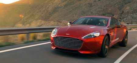 """A Aston Martin no le gusta el modo """"absurdo"""" de Tesla"""