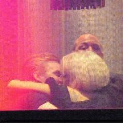 Foto 2 de 6 de la galería lady-gaga-besa-a-un-hombre-misterioso en Poprosa