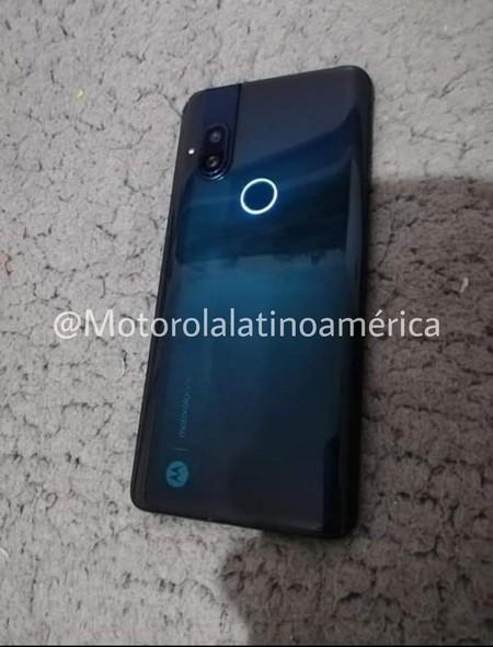 Motorola Smartphone Camara Pop Up Logo Retroiluminado