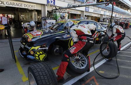 El reglamento y la picaresca en la V8 Supercars
