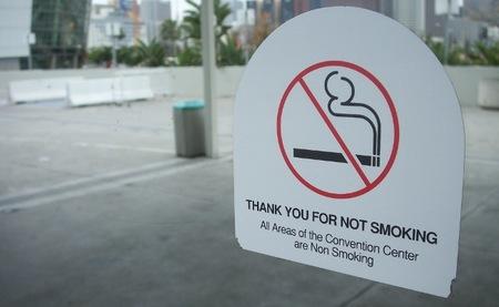 Fumador pasivo de redes sociales