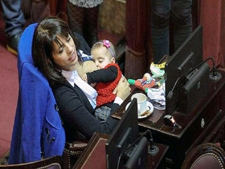 diputada-argentina-amamanta-parlamento