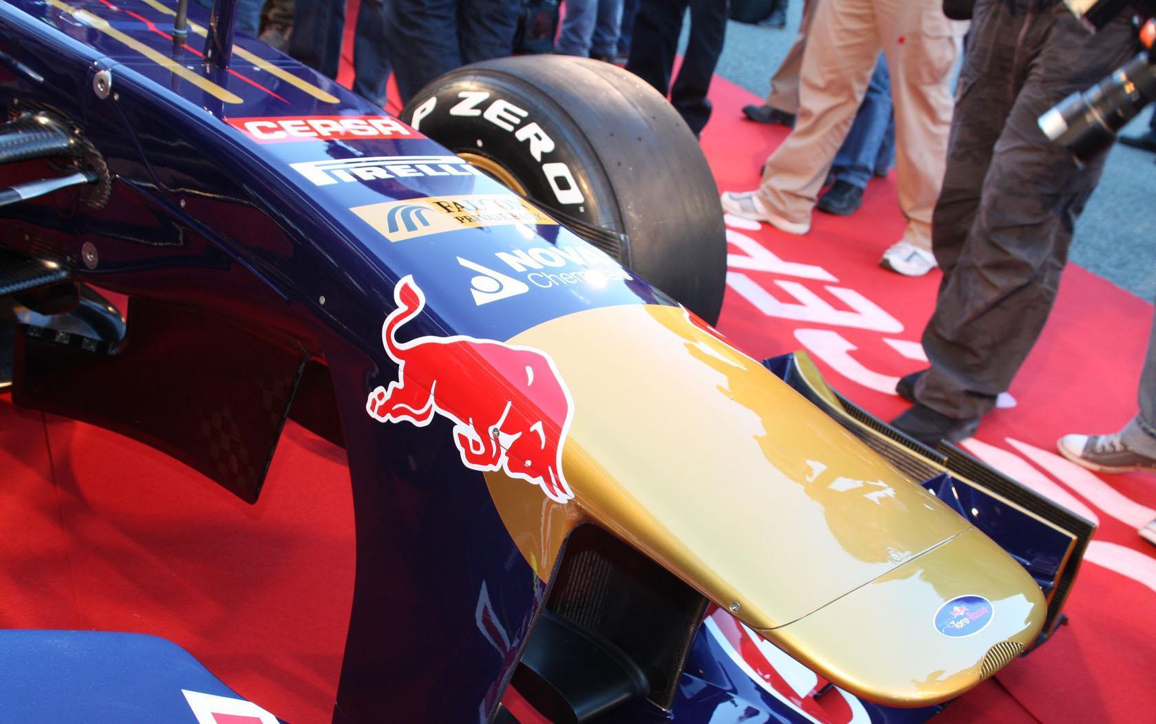 Foto de Toro Rosso STR8 (2/5)