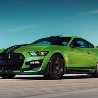 Ford Mustang Shelby GT500 se pinta de verde vibrante como en los años 70