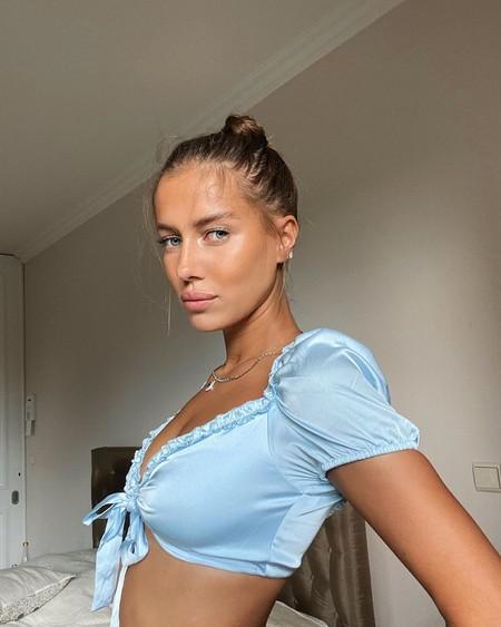 Descubrimos a Nicole Poturalski, la nueva novia de Brad Pitt