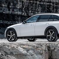 El Mercedes-Benz Clase C All-Terrain es la SUVización de la berlina alemana, con tracción total y motores mild-hybrid