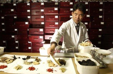 ¿Por qué la medicina alternativa, la tradicional china y demás es cualitativamente inferior que la medicina convencional o alópata? (II)