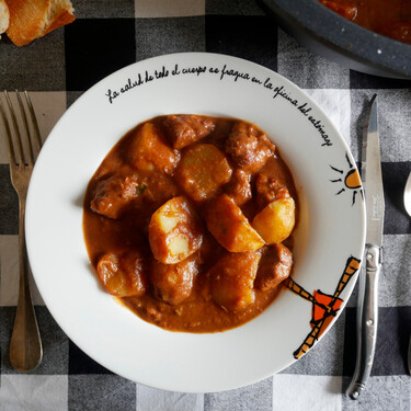 Sukalki: receta del estofado de carne típico de Vizcaya (con los trucos de Karlos Arguiñano y Martín Berasategui)