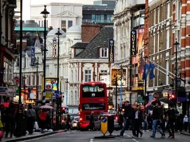 ¿Viajas a Londres? Estos son los 11 musicales y espectáculos que no te puedes perder