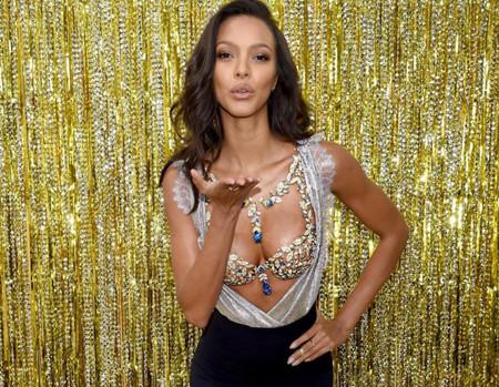 Ya conocemos el millonario sujetador de Victoria's Secret de este año (y a la modelo que lo lucirá)