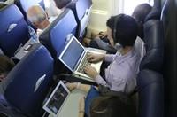 Ya podemos usar determinados dispositivos electrónicos en el despegue y el aterrizaje de un vuelo