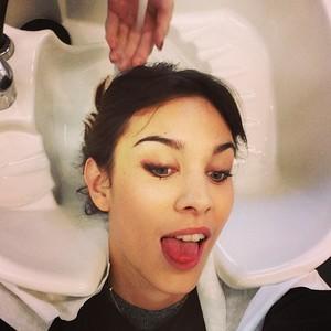 ¿Nos ponemos un toque de color en el pelo con Hair Chalk de L'Oréal Professionnel como Alexa Chung?