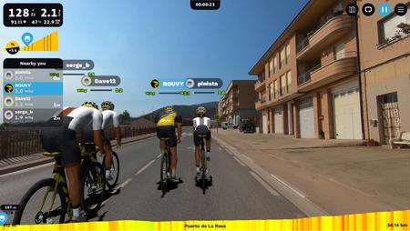 Imagen de una recreación de carrera de la aplicación Rouvy.