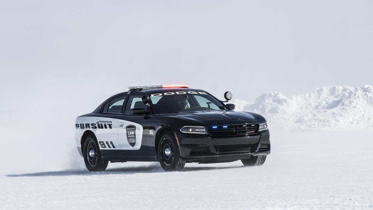 Foto de Dodge Charger Pursuit California HP (10/20)