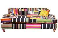 Interesante sofá multicolor