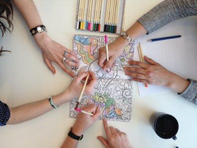 La moda de colorear para adultos llega a Internet: 12 webs y apps para relajarte con tus rotuladores