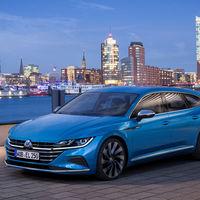El nuevo Volkswagen Arteon ya está disponible en España a partir de 48.000 euros, ahora con carrocería familiar