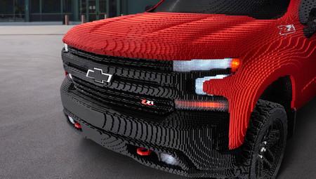 Chevrolet Silverado 2019, LEGO réplica a tamaño real