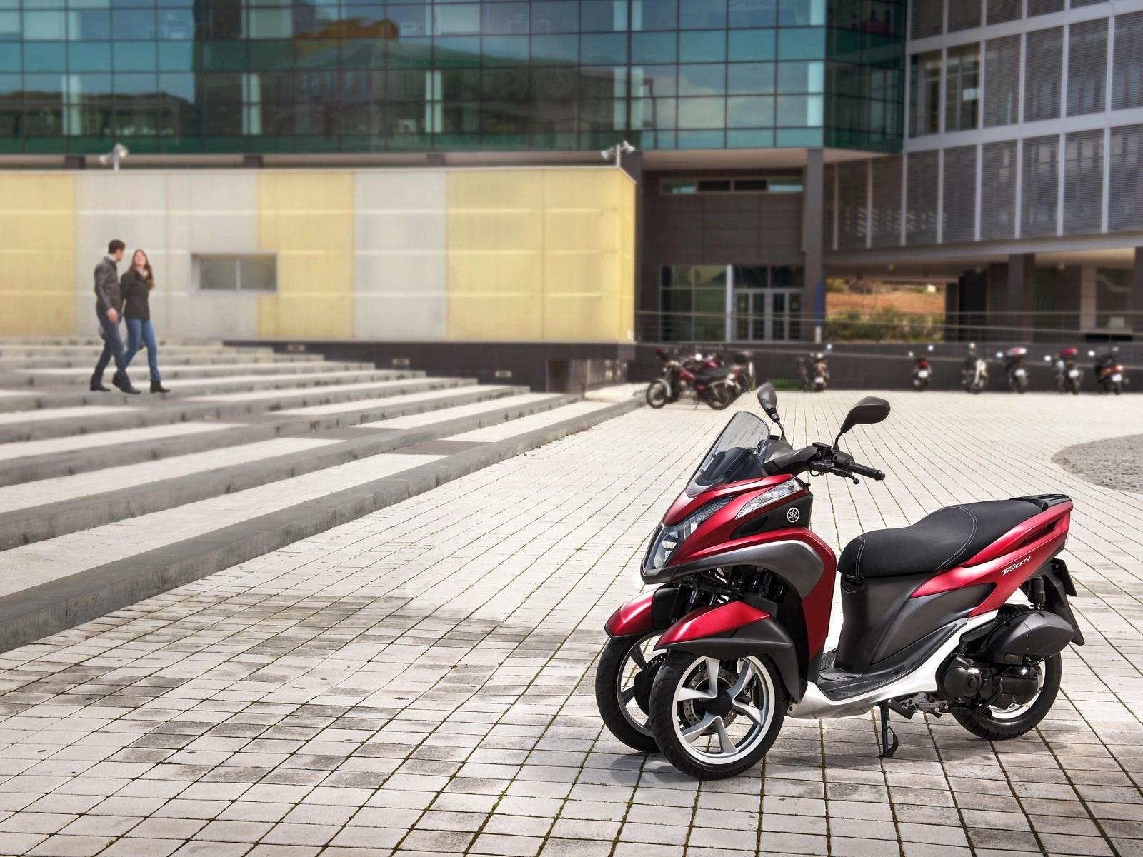 Foto de Yamaha Tricity 125 cc acción (14/21)