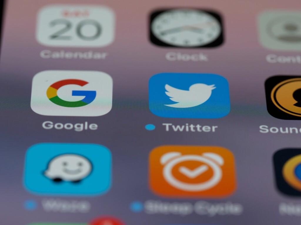 Apple activa su 'hashflag' en Twitter para el evento del 20 de abril