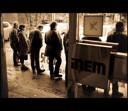El desempleo en España se ha convertido en un auténtico tsunami