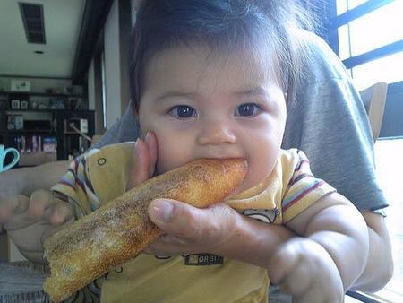 Los niños que comen más pan tienen menos sobrepeso
