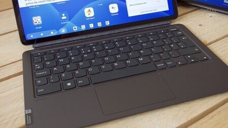 Lenovo Tab P11 Pro Review Xataka Teclado Thinkpad