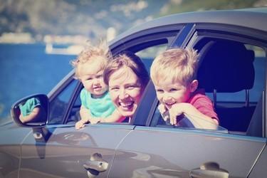 Adiós a los mareos: consejos para que los niños no se mareen en el coche