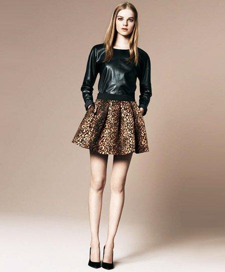 Duelo de estilos: minifalda print-animal de Zara ¿Chiara Ferragni o Gala González?