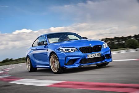 El BMW M2 CS es un festín de fibra de carbono con 450 hp listos para la acción