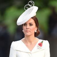 Hasta la realeza tira de fondo de armario: Kate Middleton repite el vestido del bautizo de Charlotte