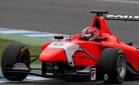 Kevin Ceccon arrasa en los test de la GP3 en Jerez