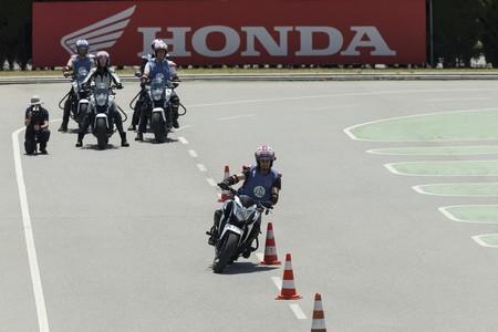 Los exámenes de conducir vuelven en la Fase 2: cómo será sacarse el carnet de moto y qué normas hay que cumplir
