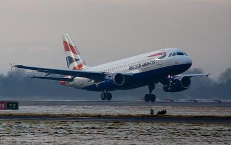 Aerolíneas británicas no dejan abordar a pasajeros sospechados de tener Gripe A