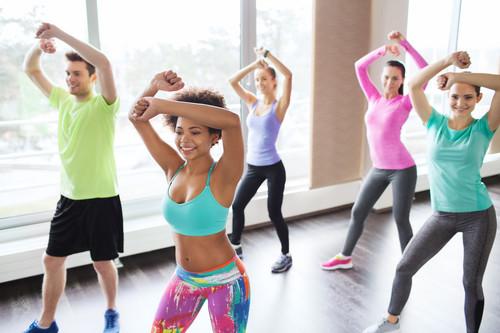 La zumba no es solo baile: así mejora tu condición física y tu bienestar psicológico