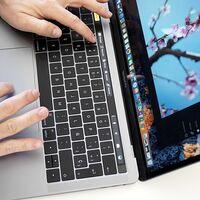 Adiós a la Touch Bar cinco años después: los nuevos MacBook Pro de 14 y 16 pulgadas presumen de nuevo teclado