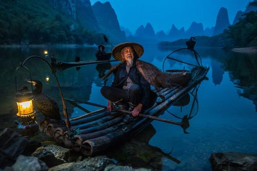 """""""Hay que vivir para fotografiar y hay que vivir intensamente"""": Sobre la fotografía documental de viaje de Esteban Toro"""