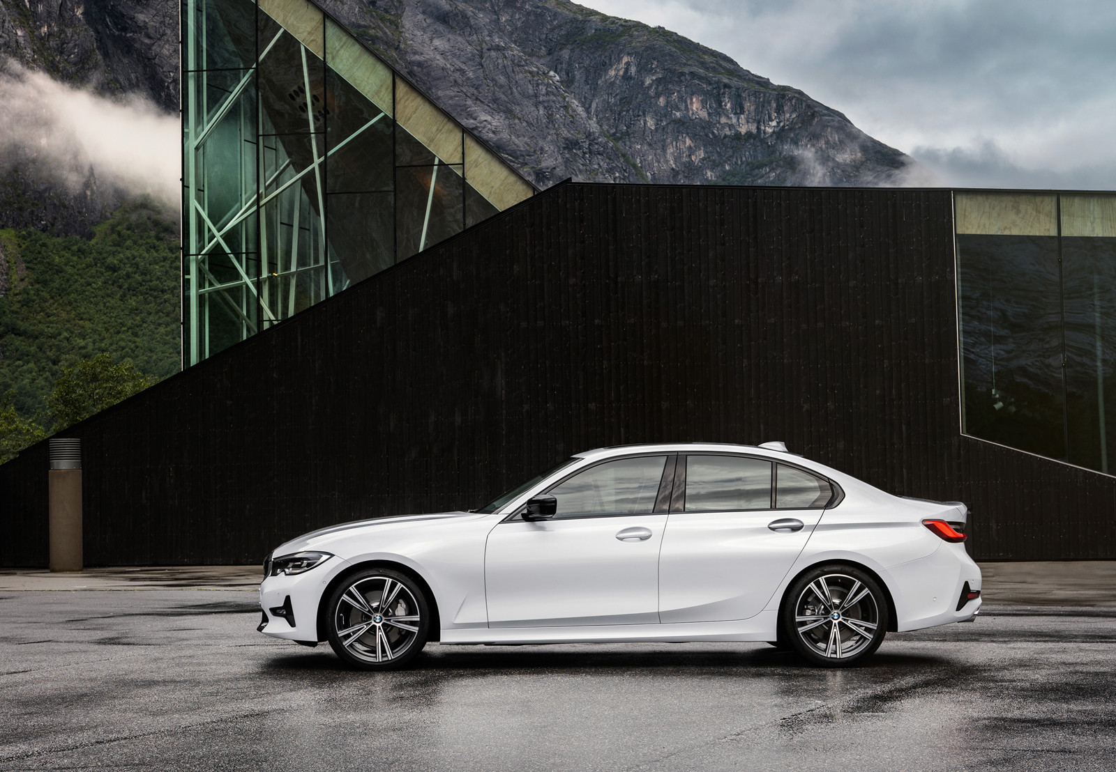 Foto de BMW Serie 3 2019 (60/131)