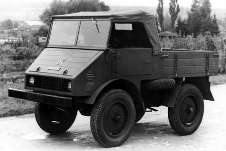 Mercedes Unimog 07