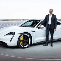 Apple contrata a Manfred Harrer, responsable de chasis en Porsche, para su supuesto coche